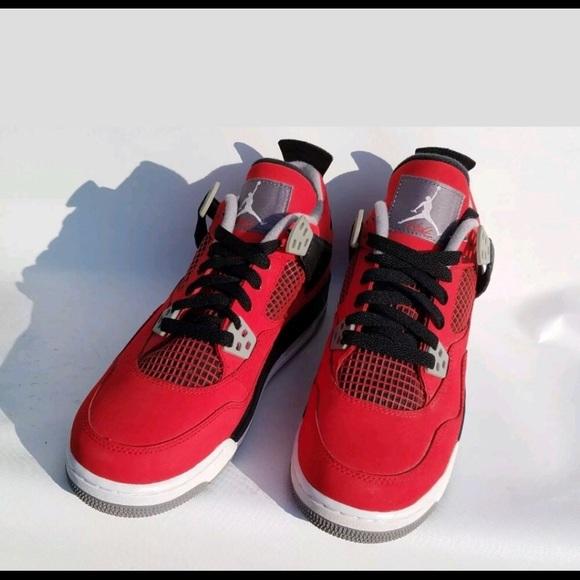 Nike Air Jordan Retro 4 IV Retro Toro Bravo Cement